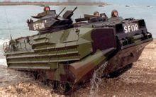两栖战力 日本不吝血本购买旧式两栖战车
