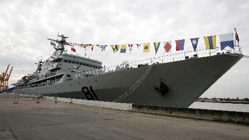 中国海军郑和号训练舰拜访泰国