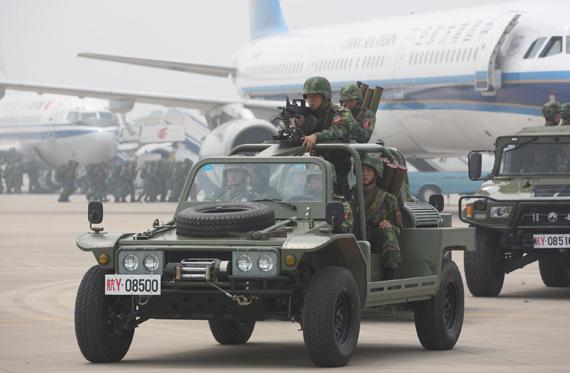 我军动用8架运输机举办初次航空战略投送演练