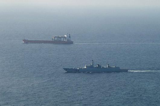 台湾船舶也是我国军舰护航维护目标