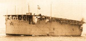 """第一艘航空母舰""""百眼伟人""""号诞生始末"""