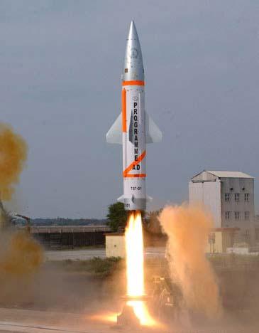 """印成功试射可携核弹头的""""烈火II""""弹道导弹"""