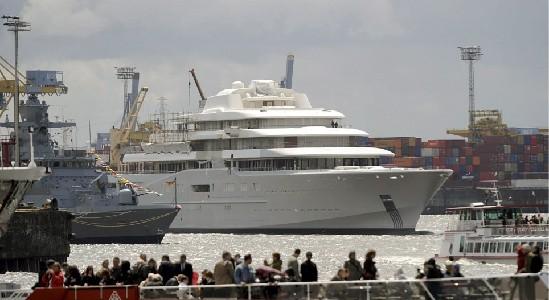 俄罗斯首富国际最大私家游艇下水,内配有反导体系