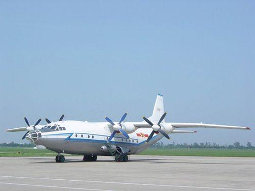 我国大型军用运输机初次飞翔成功
