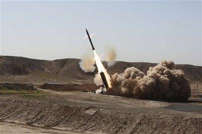 伊朗举办大规模演习,并试射2千公里长途导弹