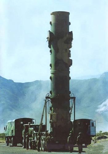 美国专家称中国军队几年内将布置准备冲击航空母舰弹道导弹