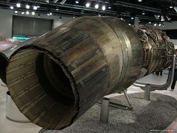 俄罗斯预定96台最新推力矢量发动机,并装备苏