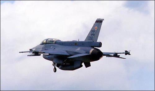 美国09年兵器出口达381亿美元