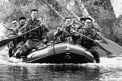 我军学员赴西点军校竞赛 首战用美枪械仅获35分