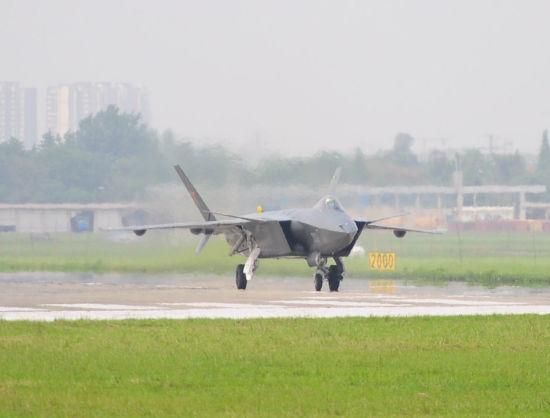 美媒称中国航空发动机技能单薄限制歼