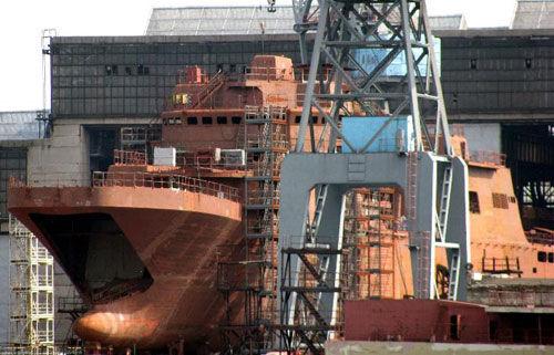 俄罗斯水兵新一代大型登陆舰行将下水