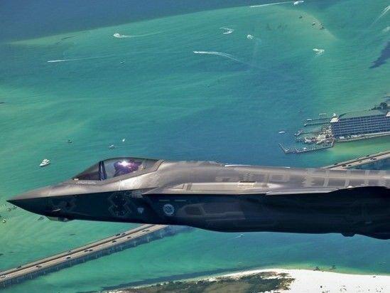 洛马公司向美国国防部交给第25架F