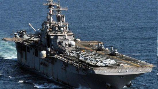 美国海军2艘军舰从日本回国途中相撞