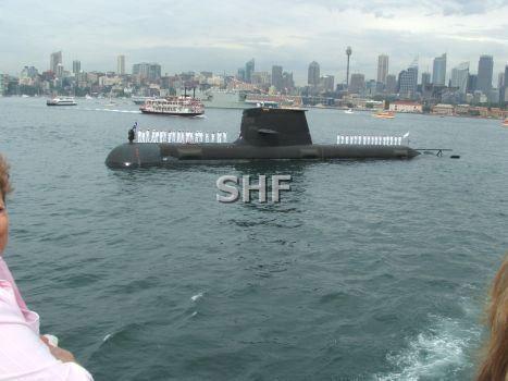 澳大利亚潜艇曾在监督中国海军时出事 5人被冲入海中