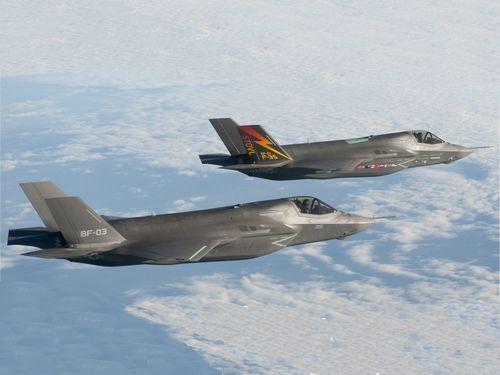 日本与美国签约购买4架F35战机 2016年前交给