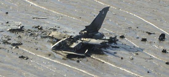 """英国空军两架""""暴风""""战机坠毁疑在空中相撞"""