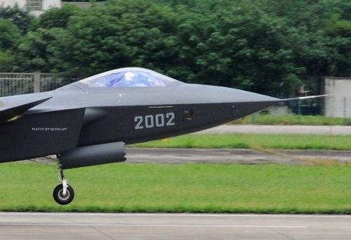 我国航空工业能研发歼20歼15 远超日本国家兵力