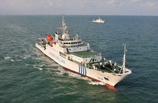 中国海监船15日晚进入钓鱼岛水域巡航
