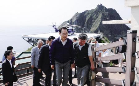 李明博登岛负面影响扩展 日本游客撤销赴韩国的预定行程