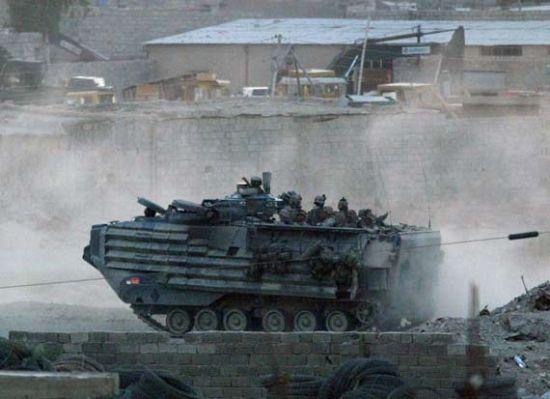 日本将引入美国制作AAV7两栖战车 日本只敢动我国