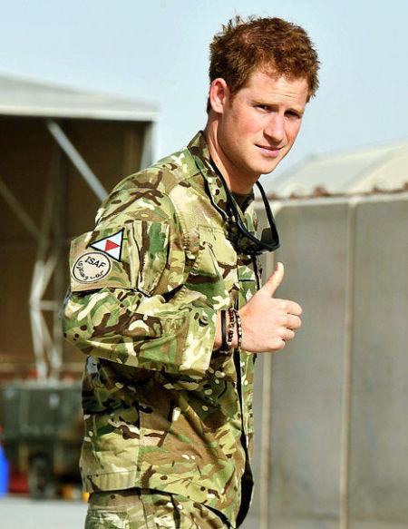 英国哈里王子再度出征阿富汗 将驾驭阿帕奇直升机