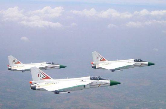 印度光芒战斗机性能不合格 其战斗机执役再推延