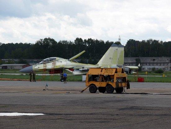 俄罗斯苏30SM战斗机初次飞翔成功 其为苏30MKI改装版
