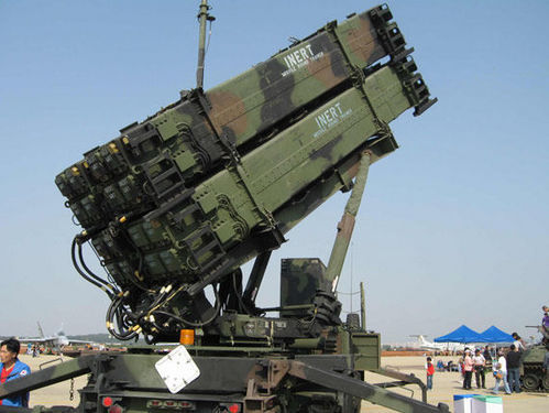 """美国20年来为""""爱国者3""""型导弹的修理支付了2500亿美元"""