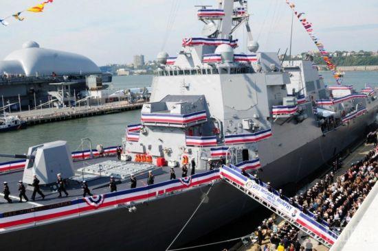 美国新式伯克级驱逐舰以殉职的海豹突击队队员命名