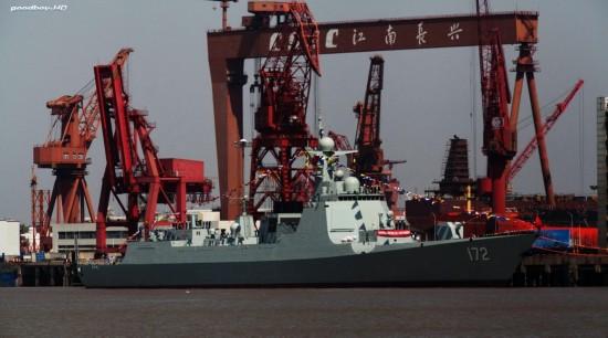 我国052D导弹驱逐舰首舰提早执役,有哪些疑团呢?