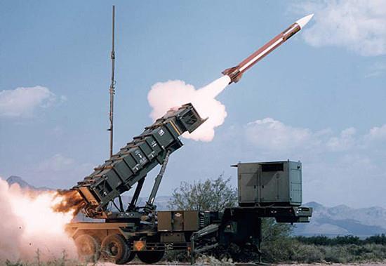 伊朗山寨货(仿我国导弹)击沉美国舰船,是啥状况?
