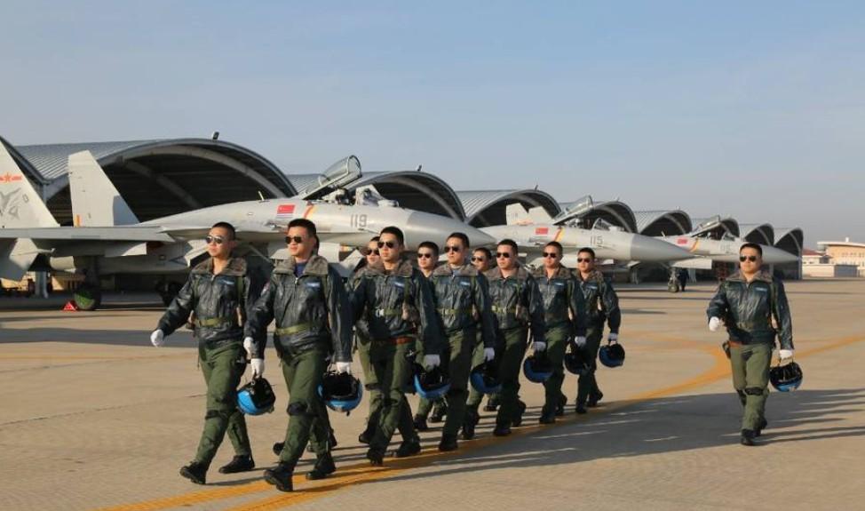 空军战斗机出产及飞行员训练正提速,我国航母战力行将构成