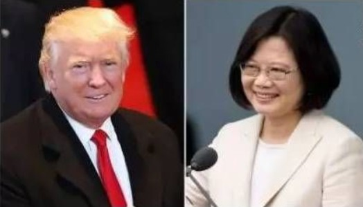 """12月8日,美国候任总统唐纳德•特朗普日前与台湾地区领导人蔡英文通电话的鲁莽行为,让许多美国外交政策专家""""抓狂""""。现在不应再讨论特朗普此举是否明智或他能否胜任总统一职,而是应该为中国可能的回应进行准备工作。   台湾问题是中美关系中""""没有商量余地的一条红线"""",所以那些认为中国会任由特朗普改变美国对台政策,甚至""""将其国际地位正常化""""的想法都是愚蠢的。美国认同""""一中原则"""",中国坚决反对"""""""