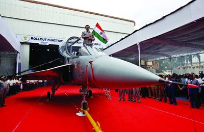 印度水兵摒弃本国国产战役机上舰,改用投标舰载机计划,为何?