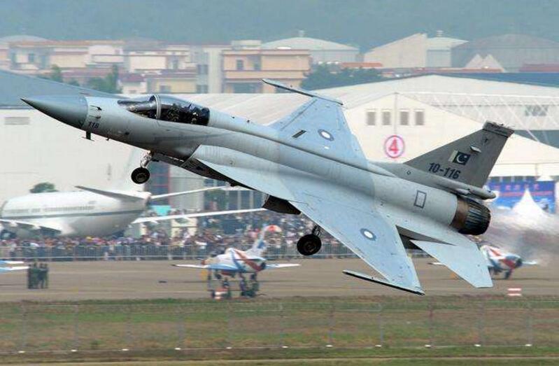 中巴联合制作第五代战斗机,估计在5年内完结首飞,印度你在忙什么呢?
